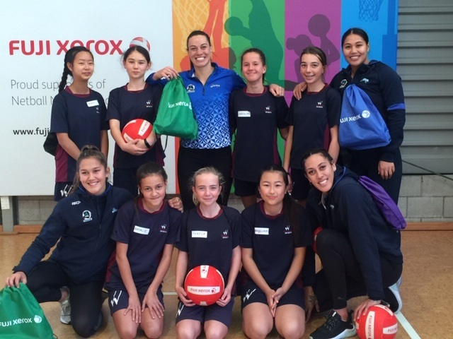 Wentworth netball players train with Northern Mystics team